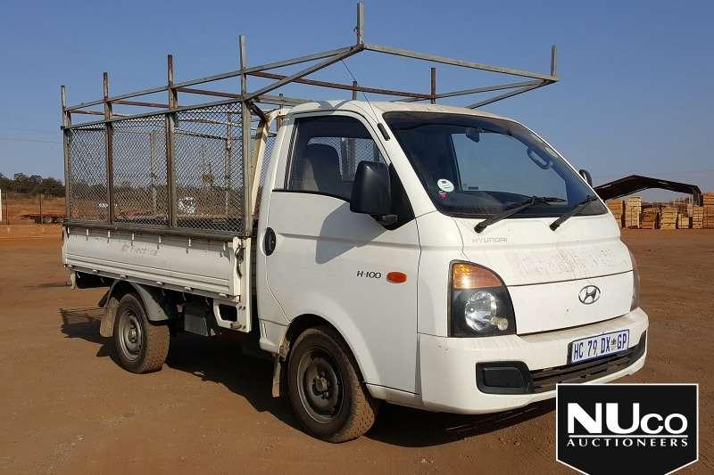 Hyundai LDVs & panel vans HYUNDAI H 100 DROPSIDE WITH ROOF RACK 2013