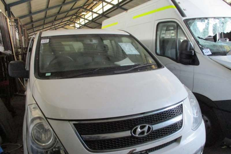 Hyundai LDVs & panel vans Hyundai H1 2.4 GLS Wagon Mini Bus 2013
