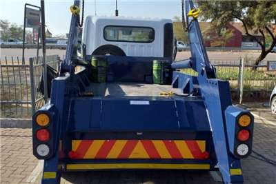 Hyundai EX8 Skip bin loader trucks
