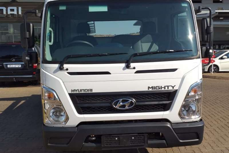Hyundai Truck Skip bin loader EX8 2019