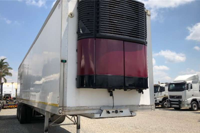 2016 Ice Cold Bodies 28 Pallet Tri Axle with Carrier unit ...