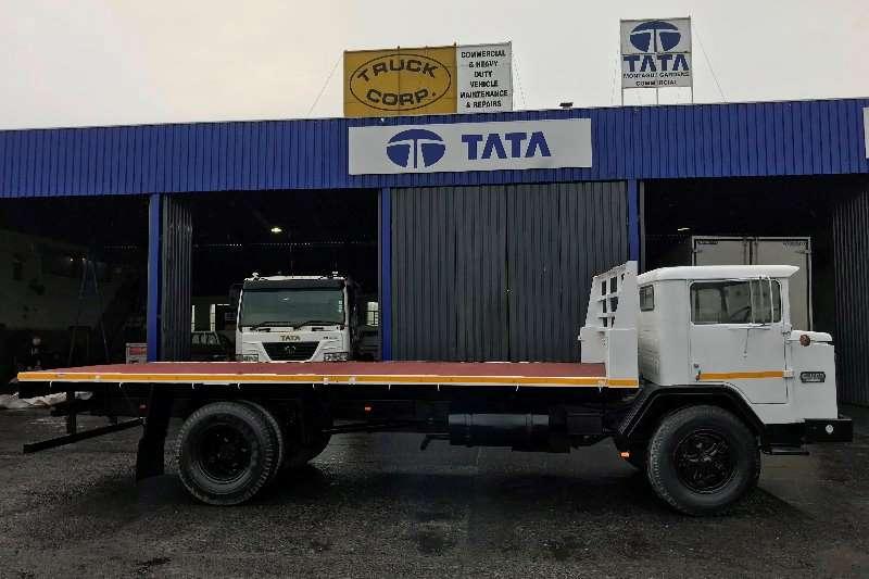 International Flatbed trucks Harvester 1981