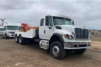 International 2017 International 7600i tow truck rig Recovery trucks