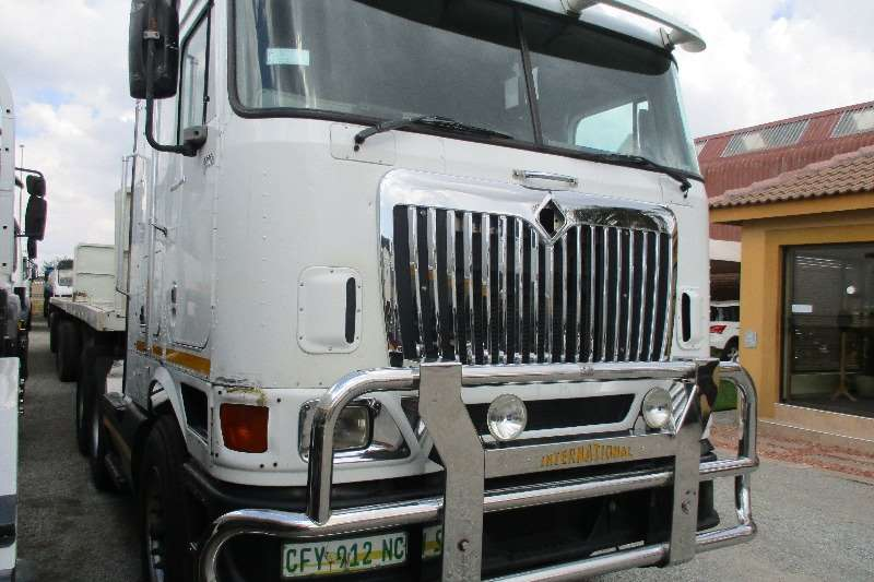 International 9800i Eagle Pro Sleeper Truck