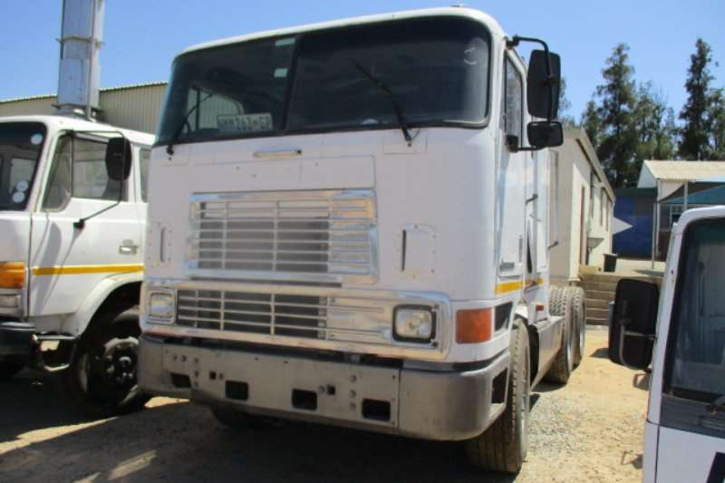 International Truck EAGLE 9800 I 2002