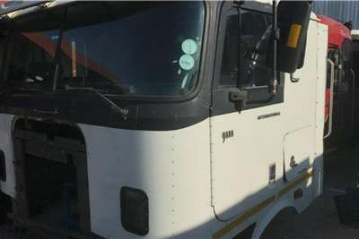 International 2008 International 9800i (Manual) Used Cab Truck spares and parts