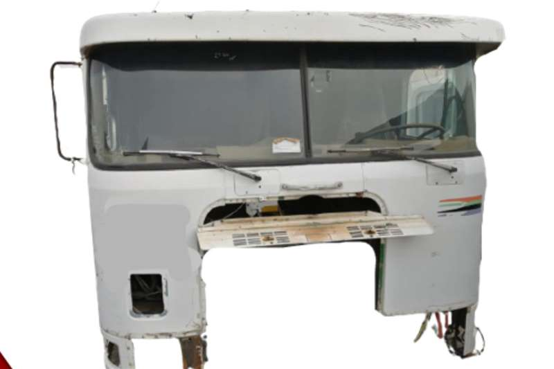 International International 9700 (LH ; S/Bunk) Used Cab Truck spares and parts