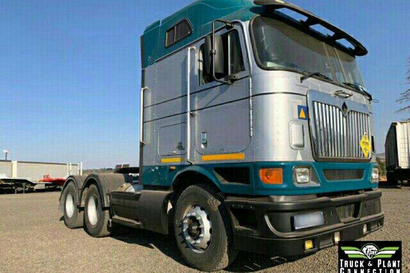 International Truck-Tractor Double axle 2010 International 9800 2010