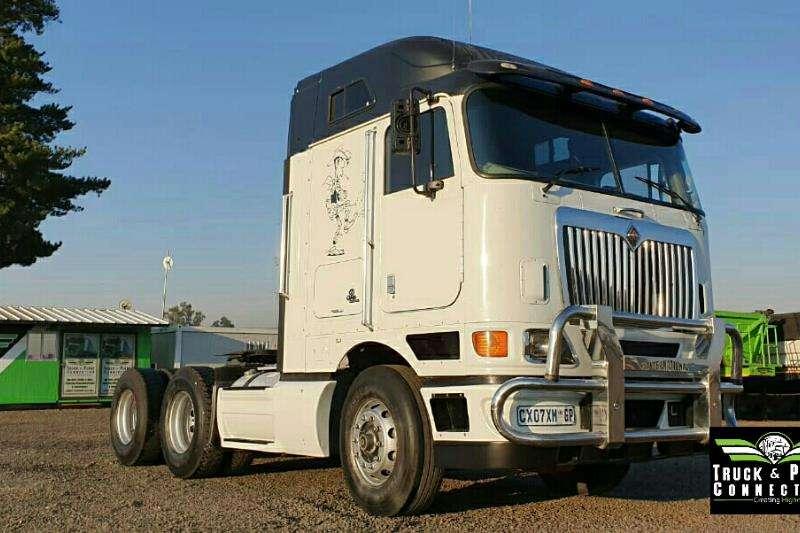 International Truck-Tractor Double axle 2011 International 9800i 2011
