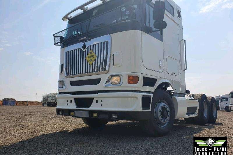International Truck-Tractor Double axle 2011 International 9800i 2011
