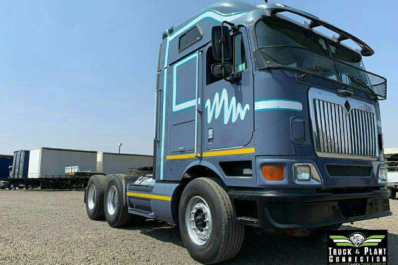 International Truck-Tractor Double axle 2011 International 9800i Mid Roof 2011