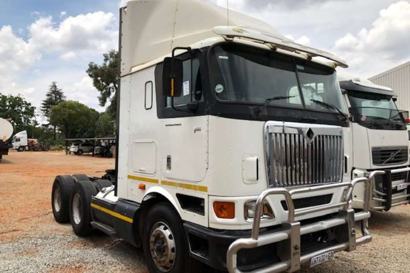 International Truck-Tractor Double axle 9800 I 6x4 T/T 2007