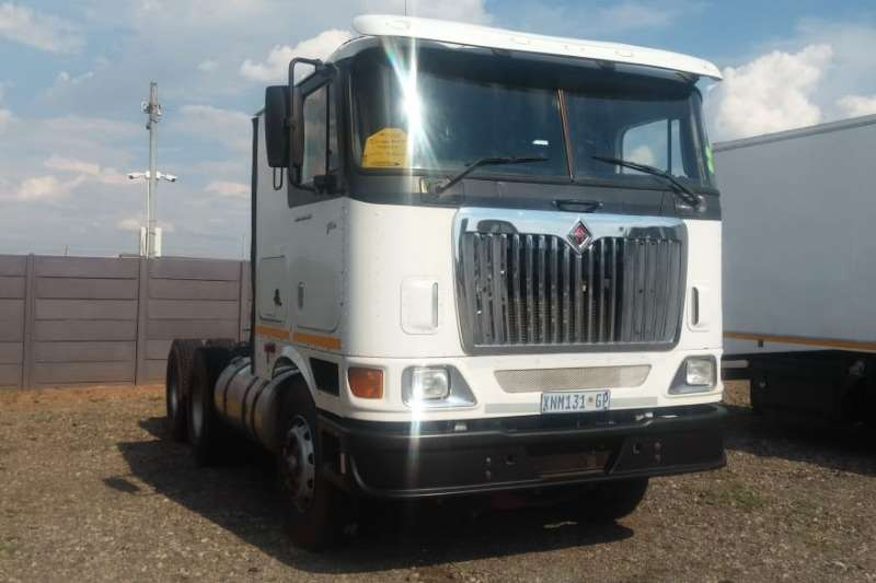 International Truck-Tractor Double axle 9800e 6x4 Truck Tractor   AS IS 2008