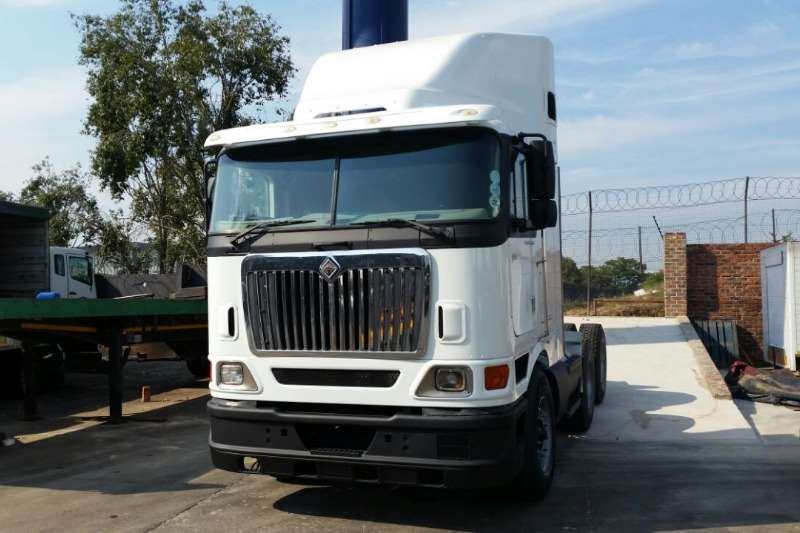International Truck-Tractor Double axle 9800i 2008