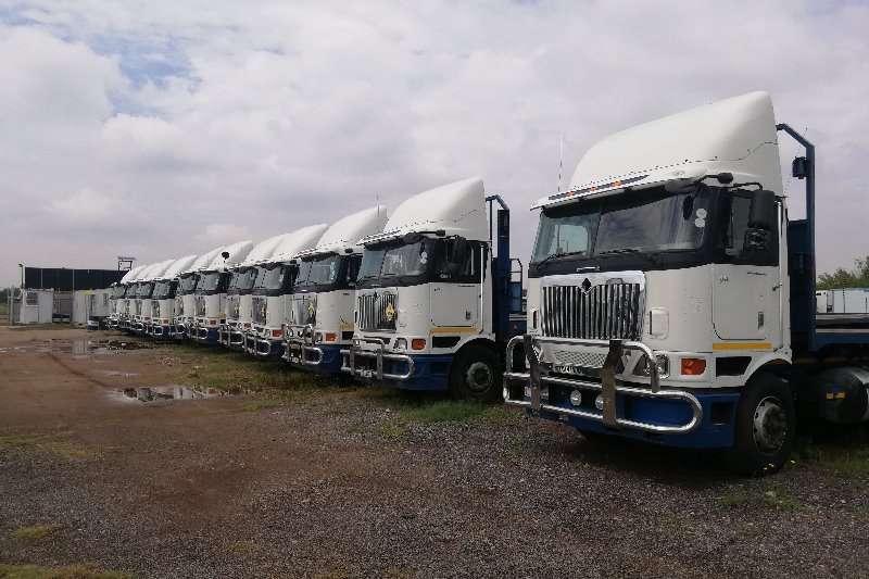 International Truck-Tractor Double axle INTERNATIONAL 9800I 2012