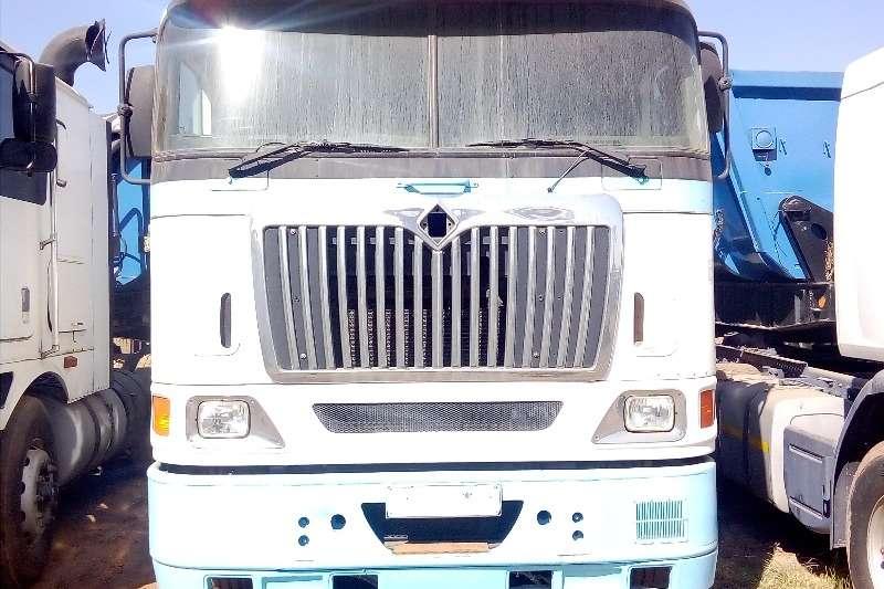 International Truck-Tractor Double axle INTERNATIONAL 9800I HORSE POWER 2006