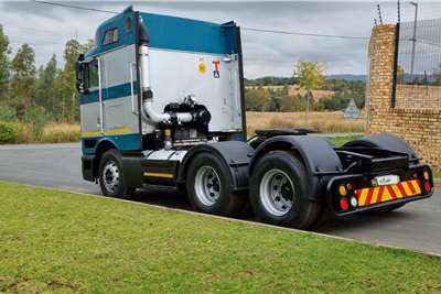 International 2010 International 9800i Midroof Autoshift Truck tractors