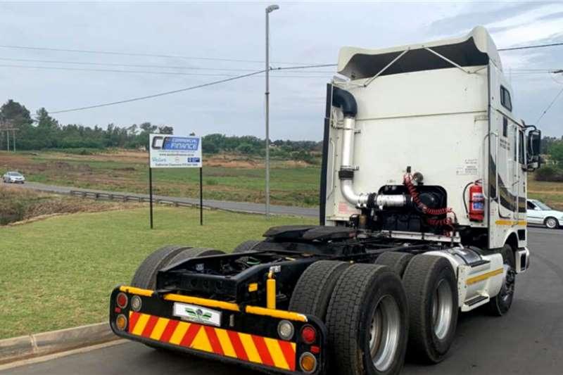 International 2012 International 9800i Midroof Auto Shift Truck tractors
