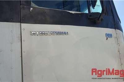 International 9800I 6x4 Horse Truck tractors