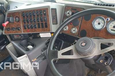International 9800i Midroof Truck tractors