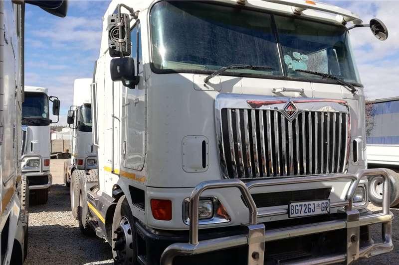 International Double axle 2011 International Eagle 9800 I Truck tractors