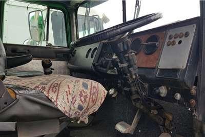 International Double axle 9400 N14 Manual Truck tractors