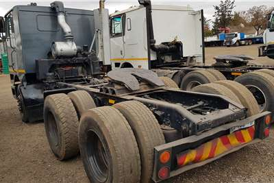 International Double axle 9800 Cummins N14C+ Give away Truck tractors