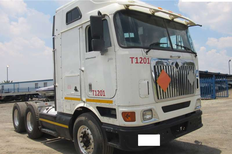 International Truck tractors Double axle 9800I 2012
