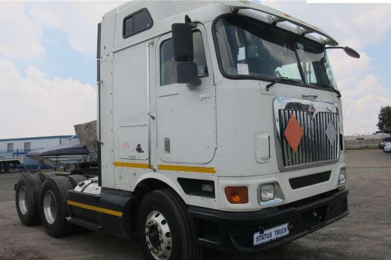 International Double axle 9800I Truck tractors