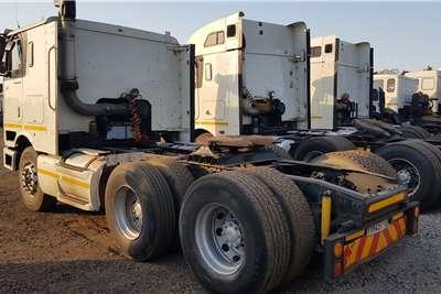 International Double axle 9800i Cummins ISX Auto Truck tractors