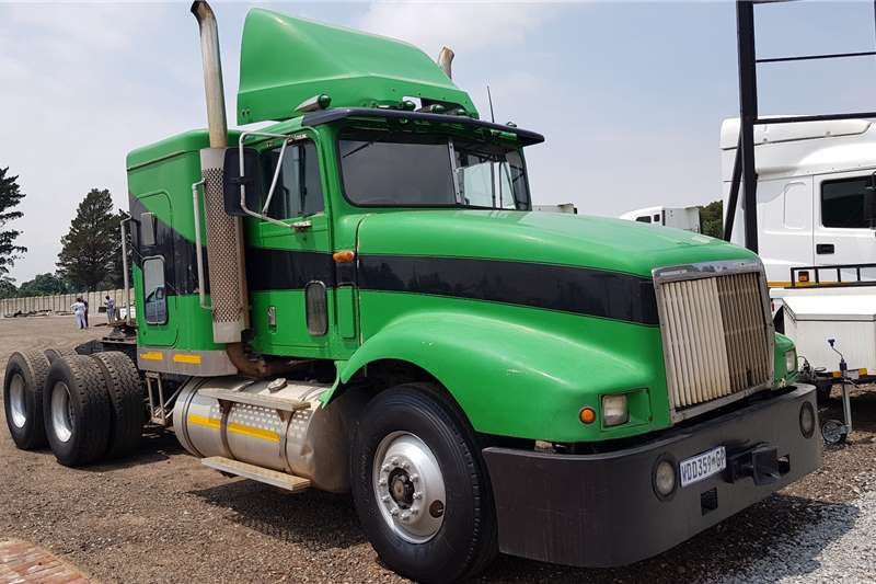 International Truck tractors Double axle International Eagle 9400i N14 Celect Plus