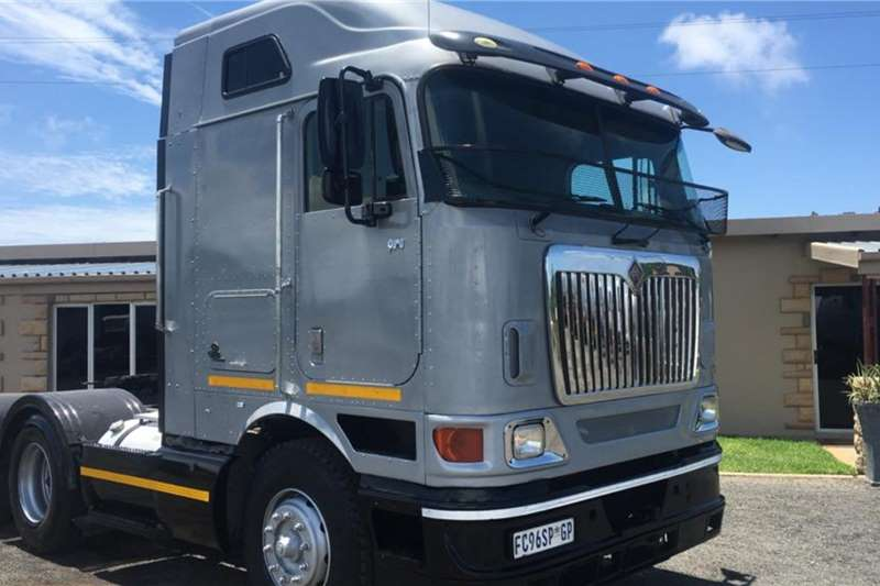 International Truck tractors Double axle Various International 9800i's Available, Excellent