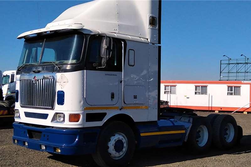 International Truck tractors INTERNATIONAL 9800i 2008