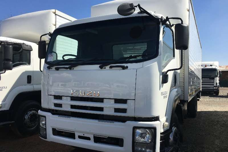 Isuzu Box Trucks 2013 Isuzu FTR850 V/Van with taillift 2013
