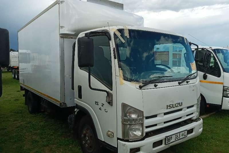 Isuzu 2014 ISUZU NPR 400   VOLUME BIN OR BOX BODY Box trucks