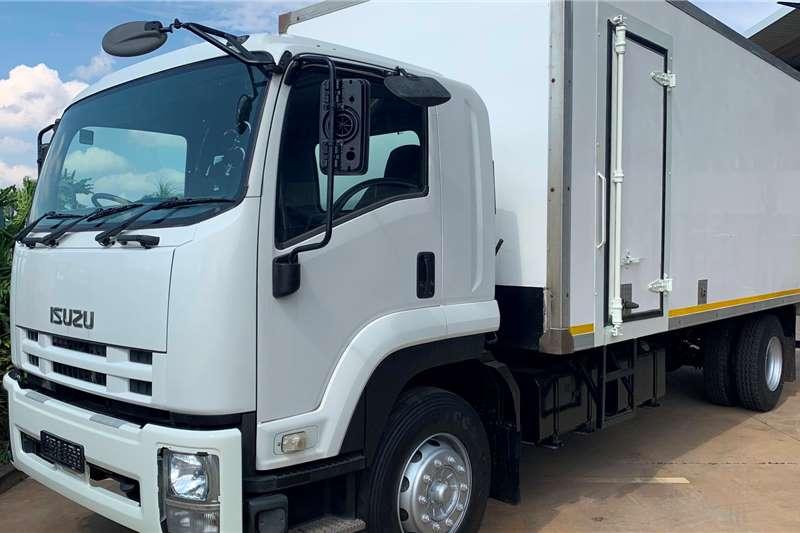 Isuzu Box Trucks FTR 850 F/C Volume Van 2013