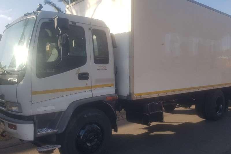 Isuzu FTR800 Box trucks
