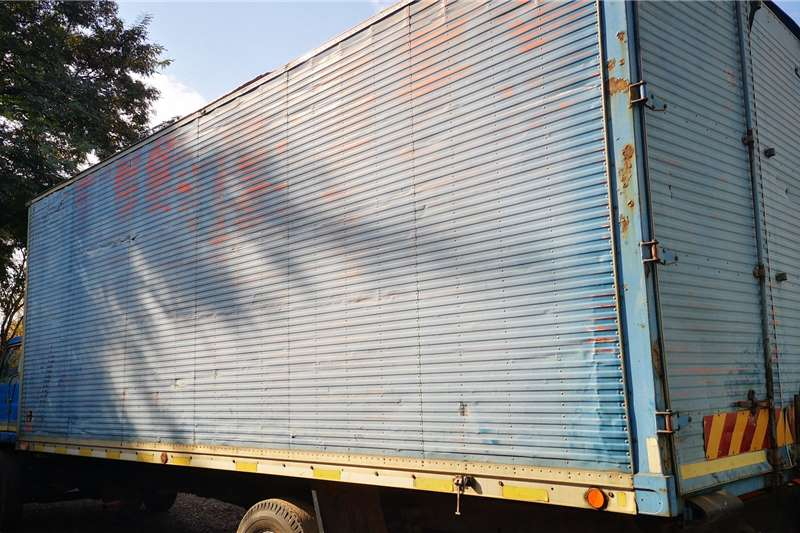 Isuzu Isuzu 8 ton box body Box trucks