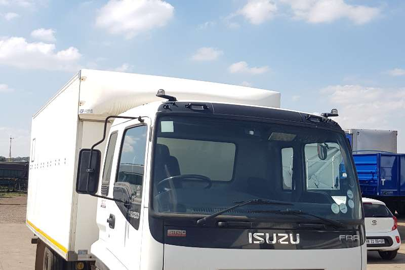 Isuzu Box trucks Isuzu FFR 500 Closed Body Rigid Truck 2010
