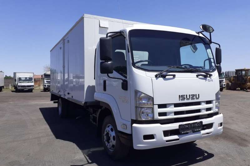 Isuzu Box trucks ISUZU FSR 800 BOX BODY 2011