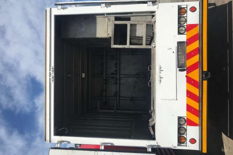 Isuzu Isuzu FTR800 Personal Carrier Workshop packing Box trucks