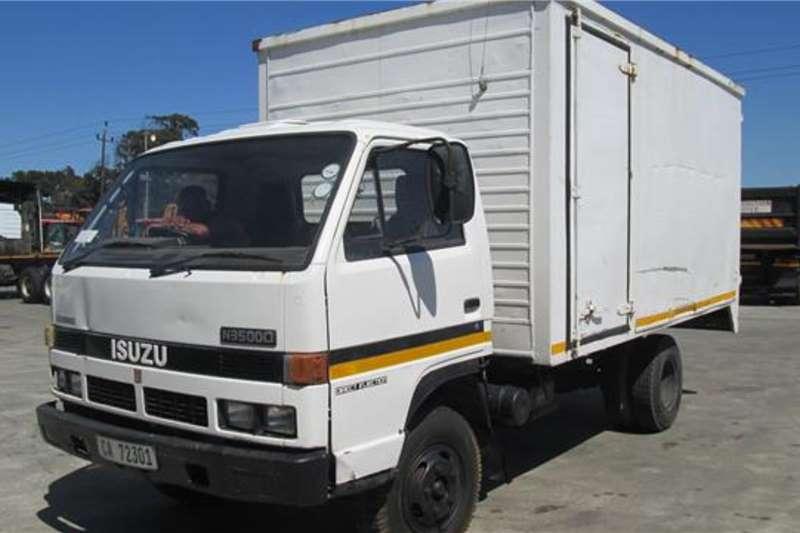 Isuzu Box trucks N3500D 1992