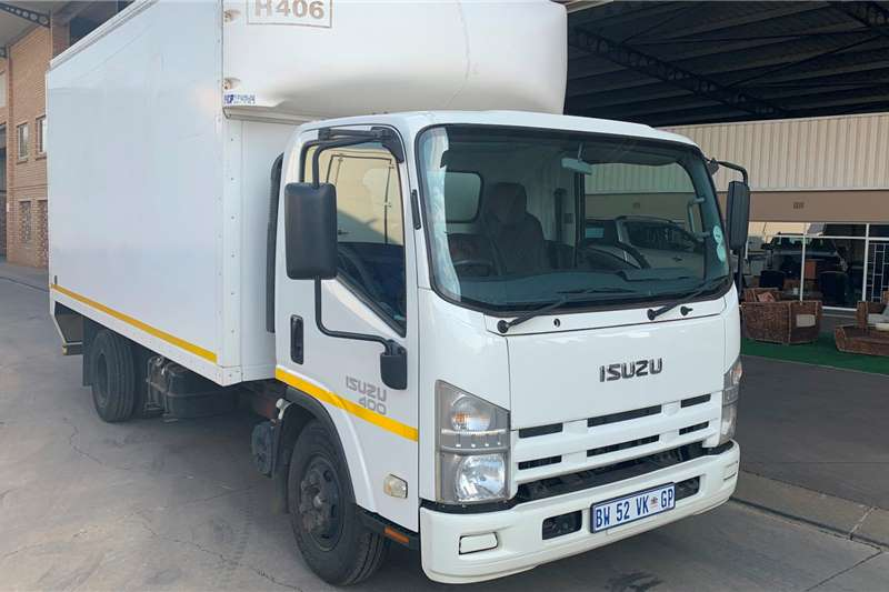 Isuzu Box trucks NPR 400 AMT F/C Volume Van 2012