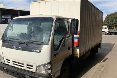 Isuzu NPR 400 F/C Volume Van Box trucks