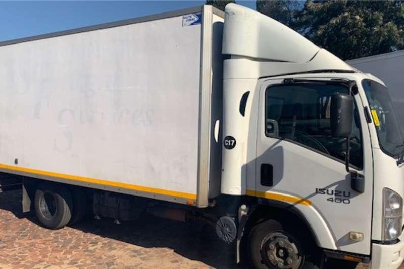 Isuzu Box trucks NPR 400 F/C Volume Van AMT 2013