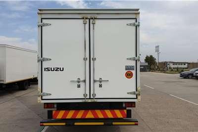 Isuzu NPR 400 Manual Box trucks