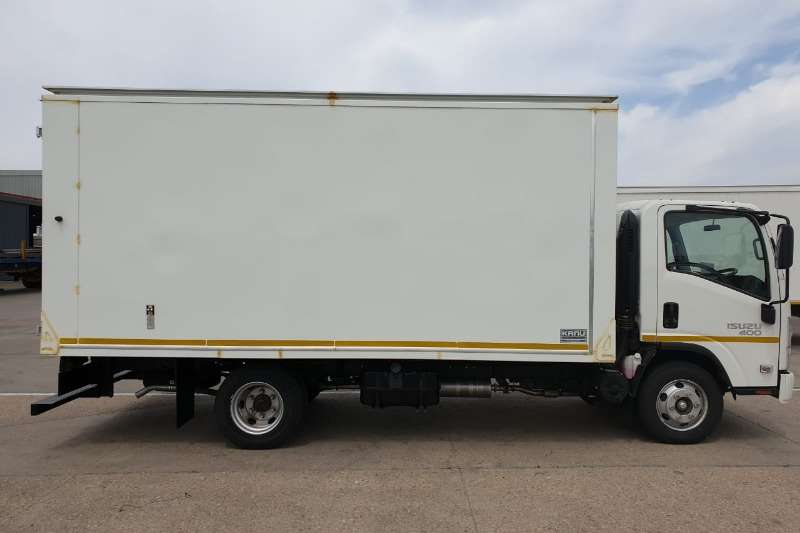 Isuzu Box Trucks NPR 400 Van Body Demo 2020