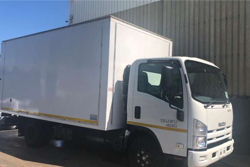 Isuzu Box trucks NPR 400 Van Body Demo 2020
