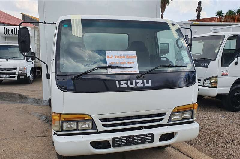 Isuzu NPR400 4 TON Box trucks