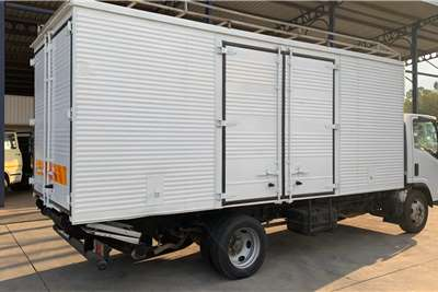 Isuzu NQR 500 F/C Volume Van Box trucks